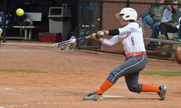 Softball splits Twinbill with Lincoln Memorial