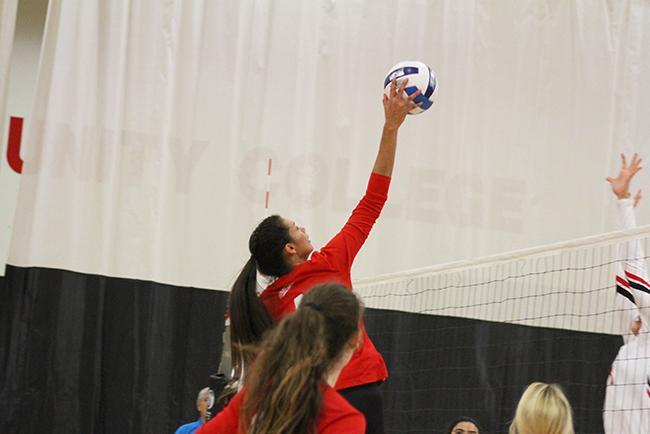 #17 Mesa Volleyball Drops Pima in Tucson in Four Sets