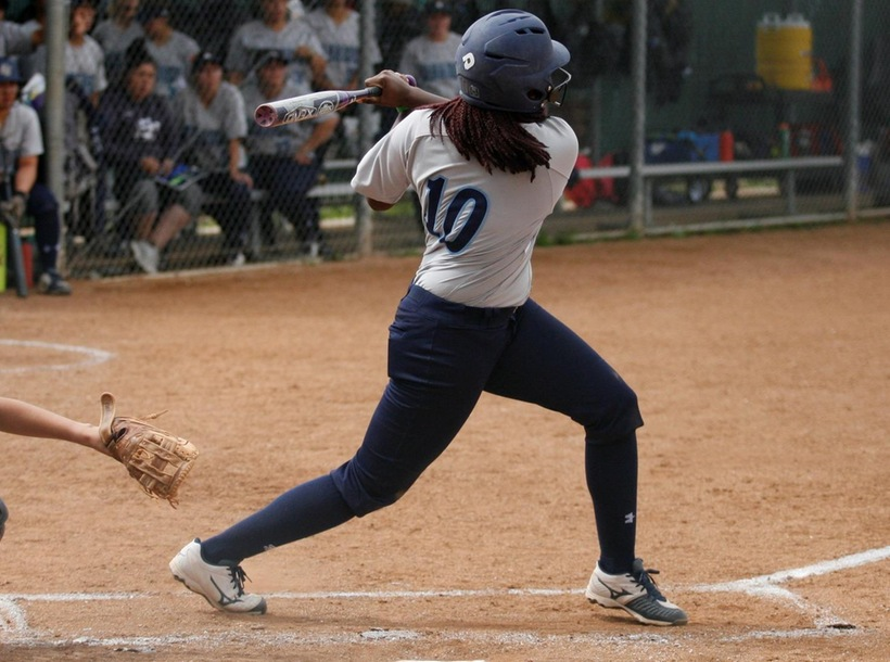 Softball Dominates Cerritos for Eighth Straight Win