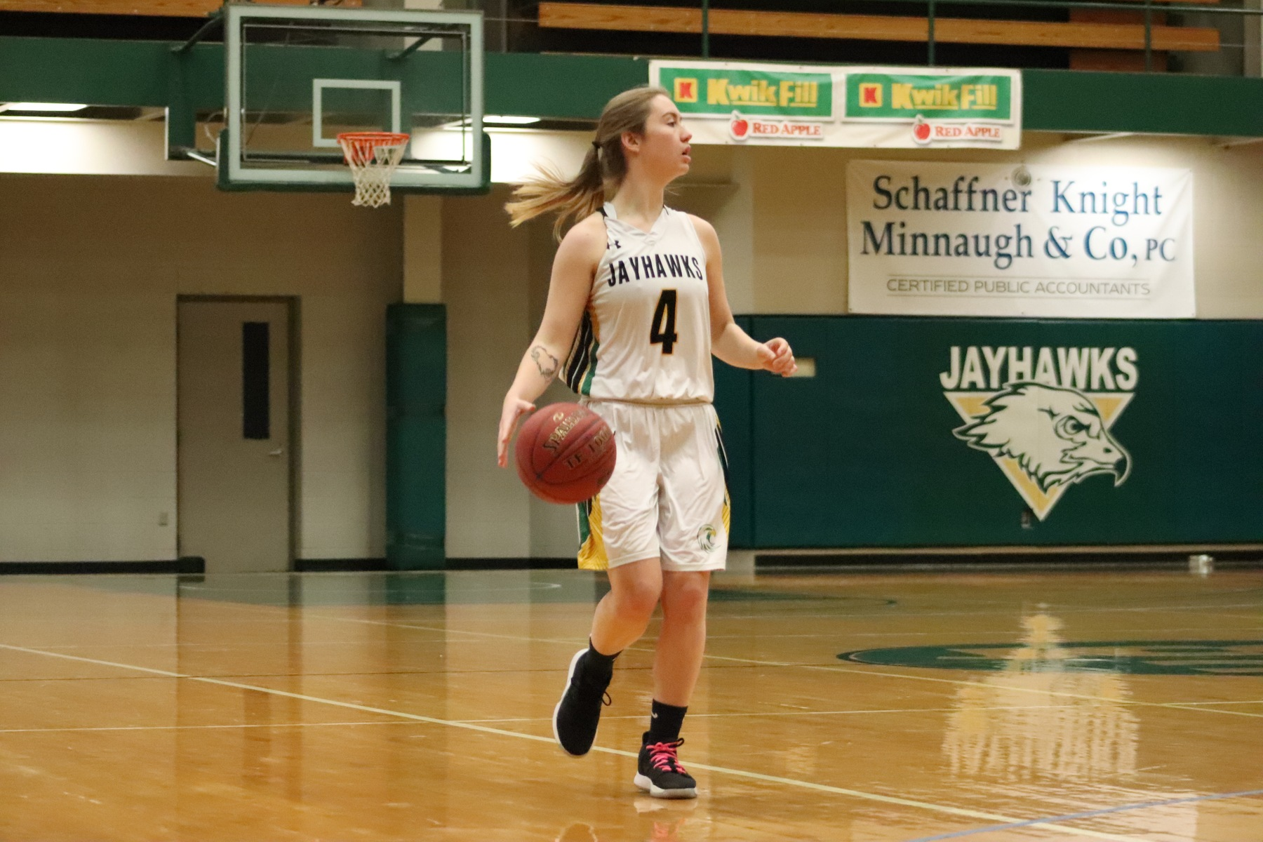 Hohl scores a team-high 16 points in loss to GCC