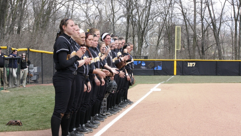 Softball Opens GLIAC Play This Weekend with Lake Superior State