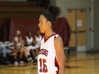 Women's Basketball: Roadrunners Run Away with the Win