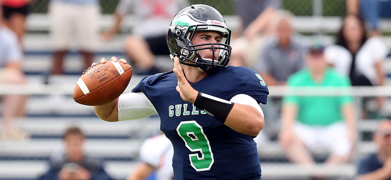 Endicott Keeps Rolling Against Maine Maritime, 35-14