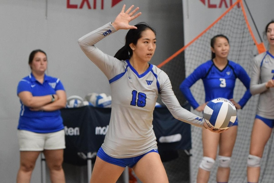 Senior Ashley Peng finished with a match-high 5 aces for the Blue (Julia Monaco).