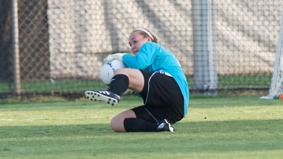 GENDRON SAVES, ANDERSON GOALS LEAD WOMEN'S SOCCER PAST PACIFIC 2-1
