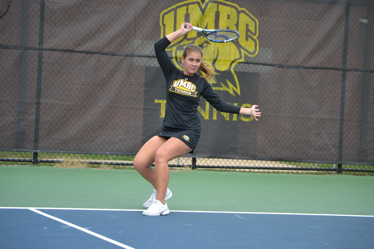 Women's Tennis Drops 6-1 Decision to GW