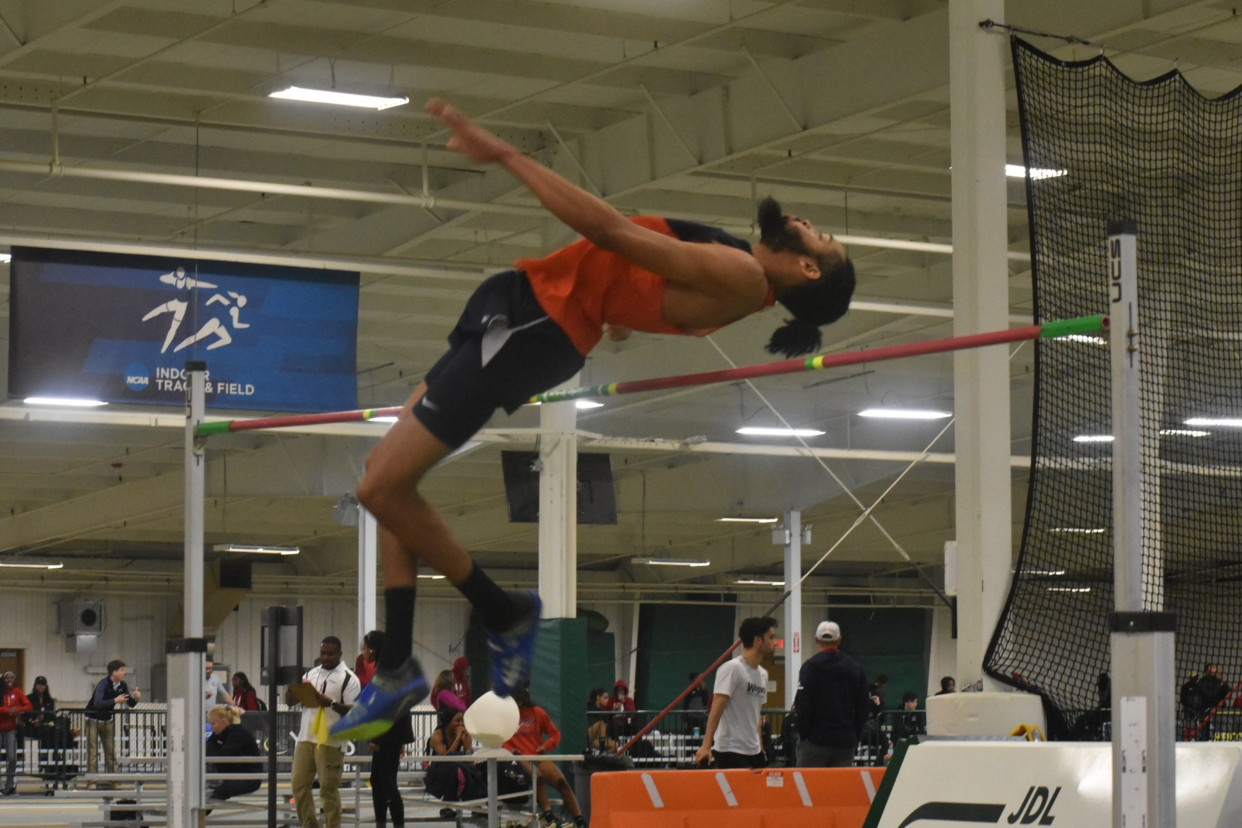 Eagles rank third and sixth in SAC to open indoor season