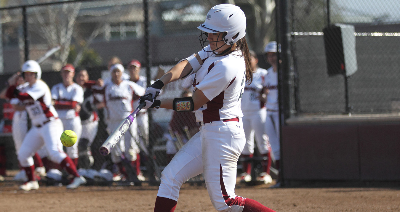 Softball Hosts Santa Clara Marriott Invitational This Weekend