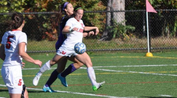 Speno's Golden Goal Lifts Women's Soccer Past Curry 3-2