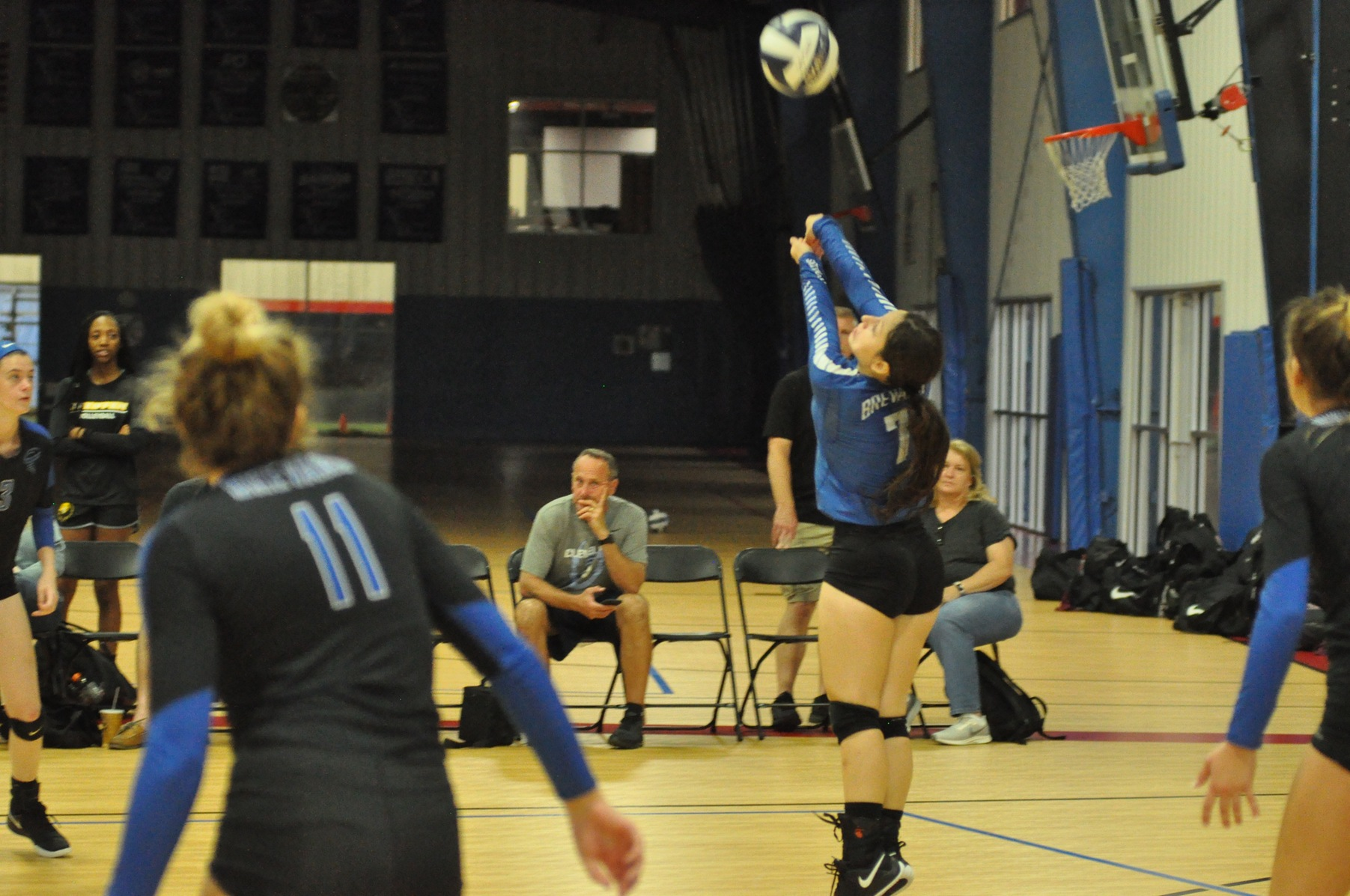 Women's Volleyball hosts the first day of the Tornado Challenge