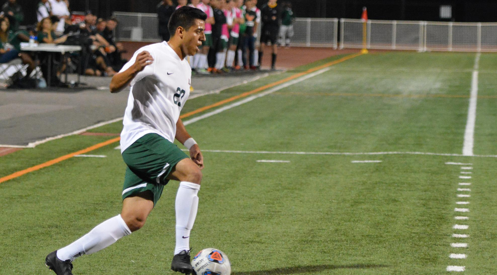 Men's Soccer drops to Pomona-Pitzer, 3-0