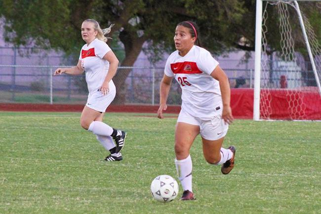 Late Push for Women's Soccer Not Enough to Overcome Coyotes in 2-1 Loss
