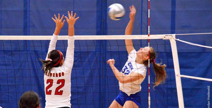 Volleyball splits four matches at Barker Classic III