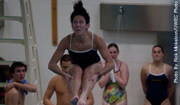 Women's Swimming Performs well at Falcon Invite
