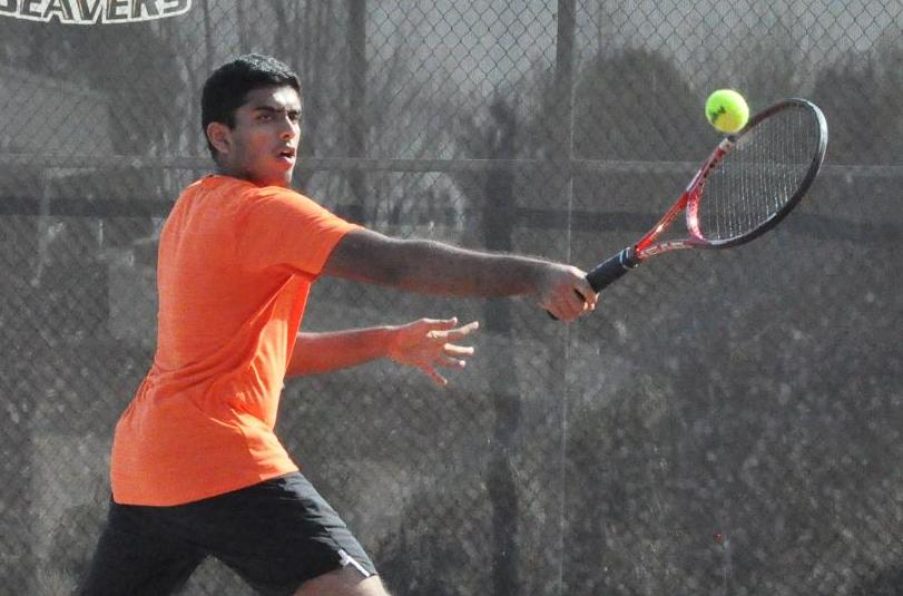 Men's Tennis Takes Three Matches at No. 27 UT-Tyler