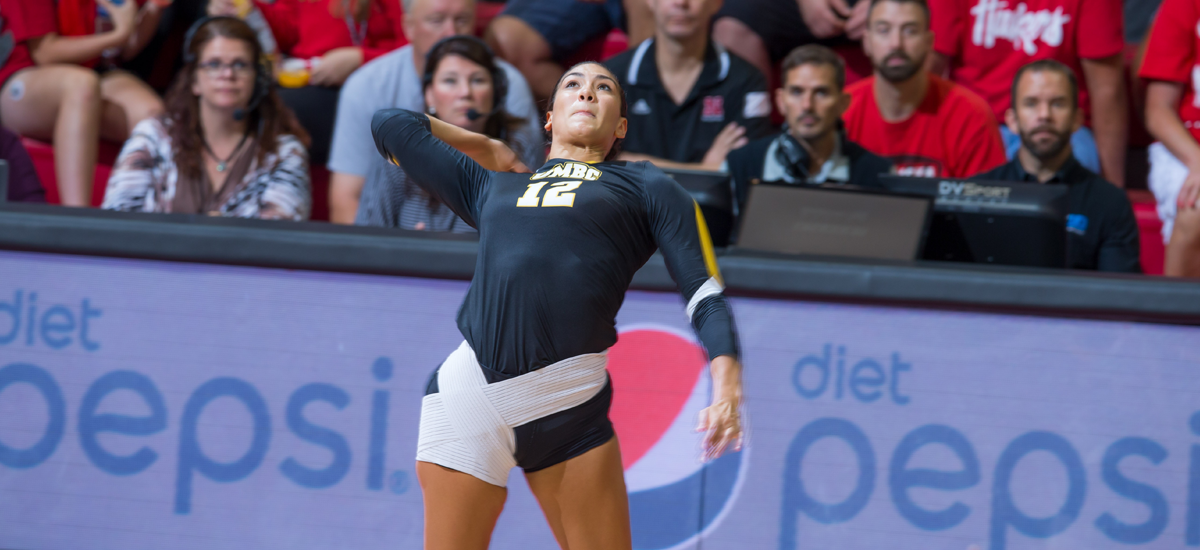 Duncan and Ramos Lead Volleyball to Sweep of UMass Lowell Friday Night