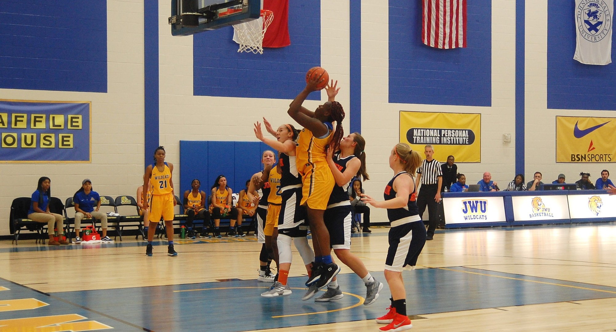 Women's Basketball Downs Royals At Home
