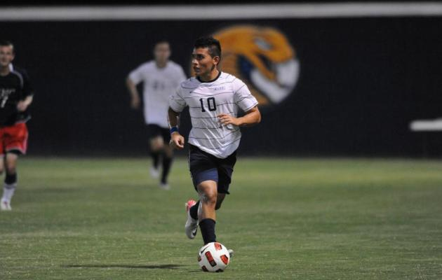 Coker's Recinos Named Conference Carolinas Men's Soccer Player of the Week