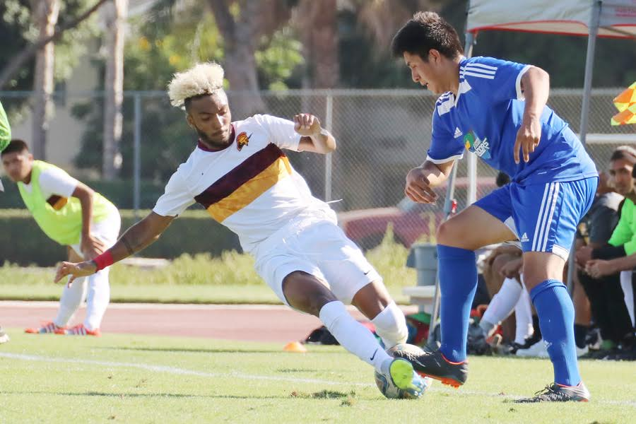Lancers returning starting defender Bryce Watson in action during the team's 2018 season opener at Oxnard College on Tuesday, photo by Richard Quinton.