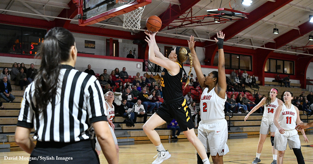 Konstanzer, Stephens lead Women's Hoops Past Macs