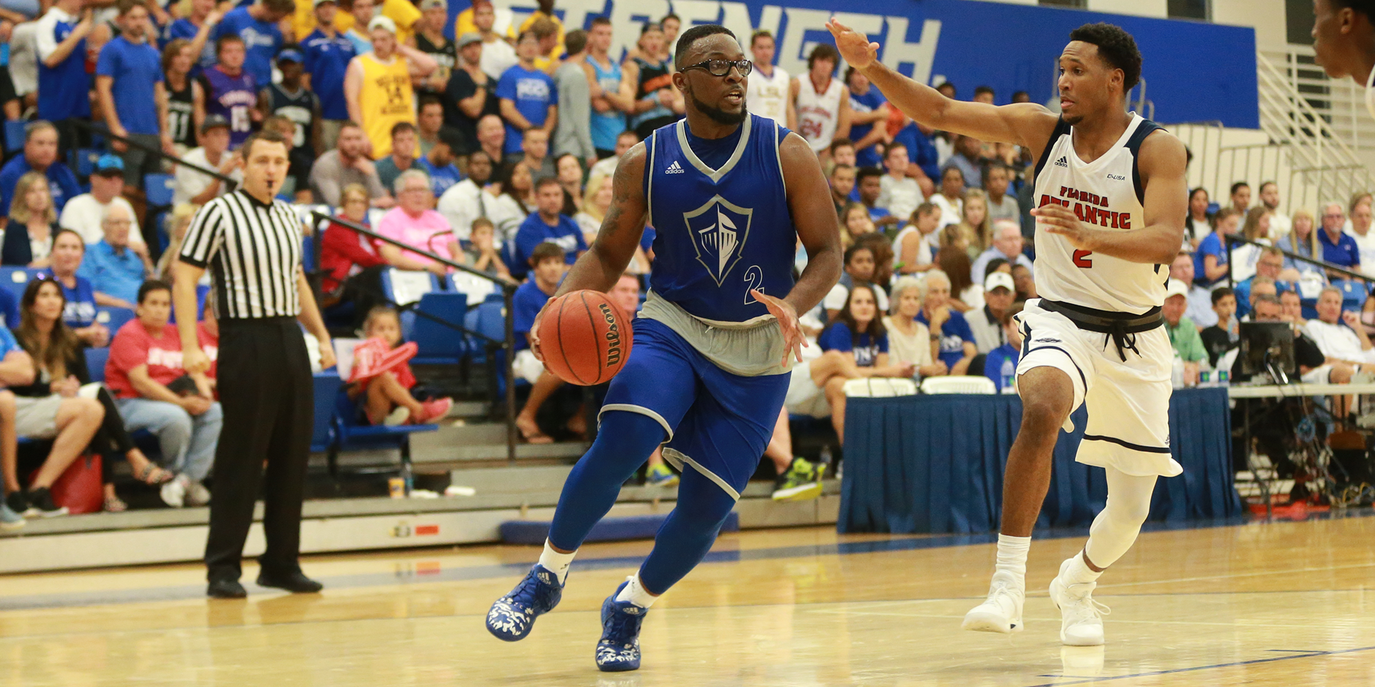 Palmer's Career-Night Lifts Men's Basketball to Victory