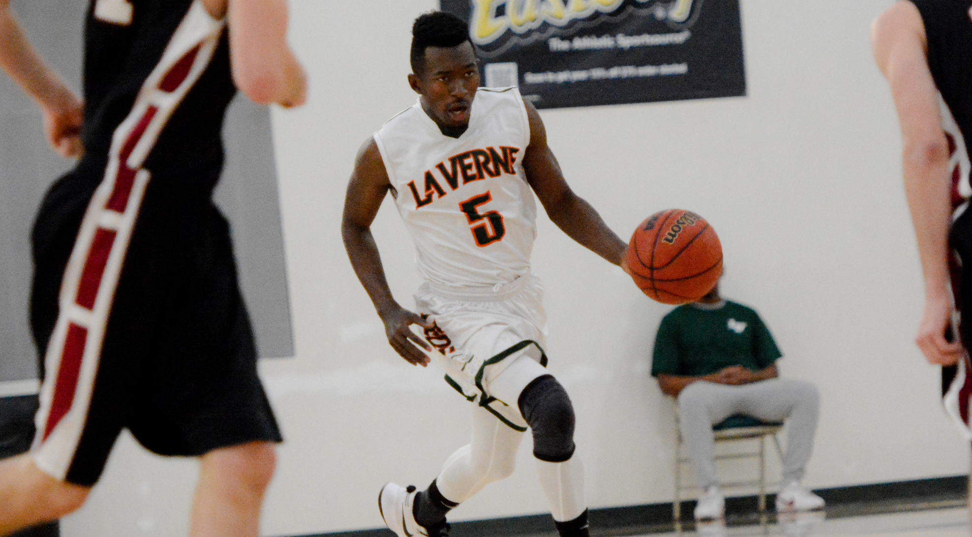Late turnovers cost La Verne in 80-73 loss to Carthage