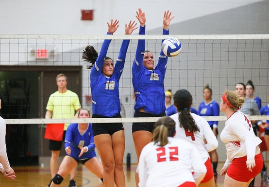 WOMEN'S VOLLEYBALL FALLS TO SUFFOLK AND UNE