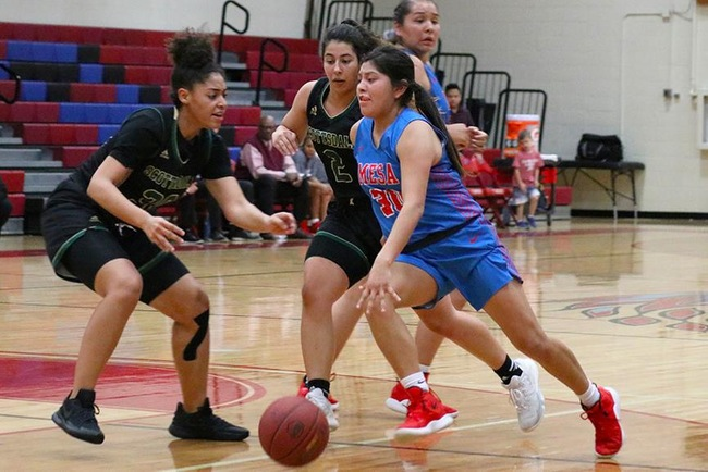 Cheyanne Begay drives to the hoop Saturday night against the Scottsdale Artichokes.