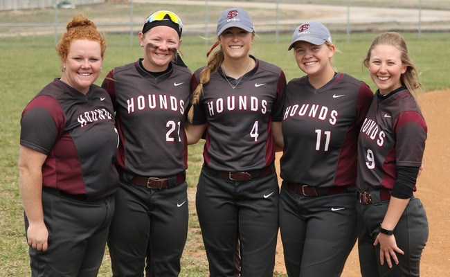 Greyhounds celebrate their sophomores