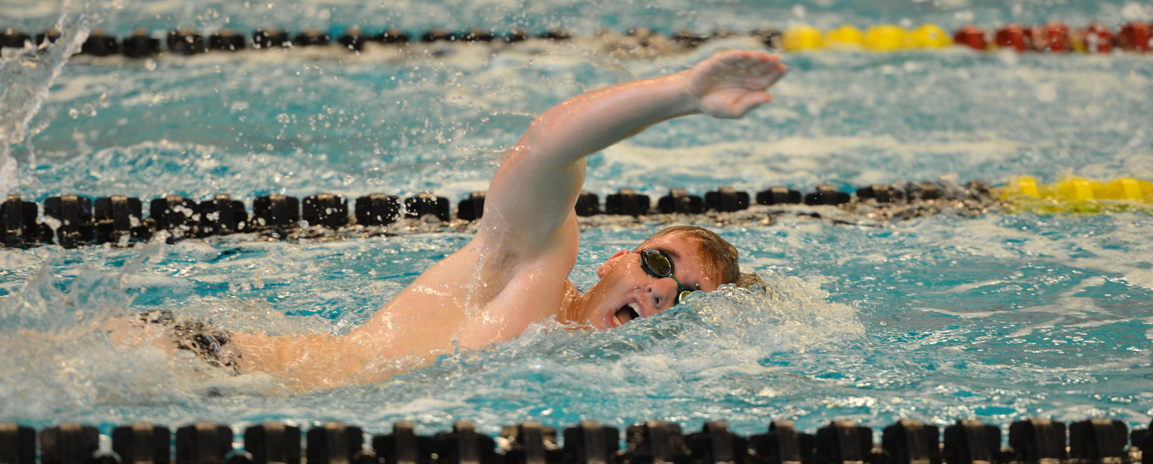 Men's swimming in sixth after first night at Pioneer Classic