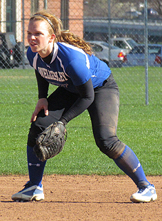 Wellesley Softball Splits with WPI