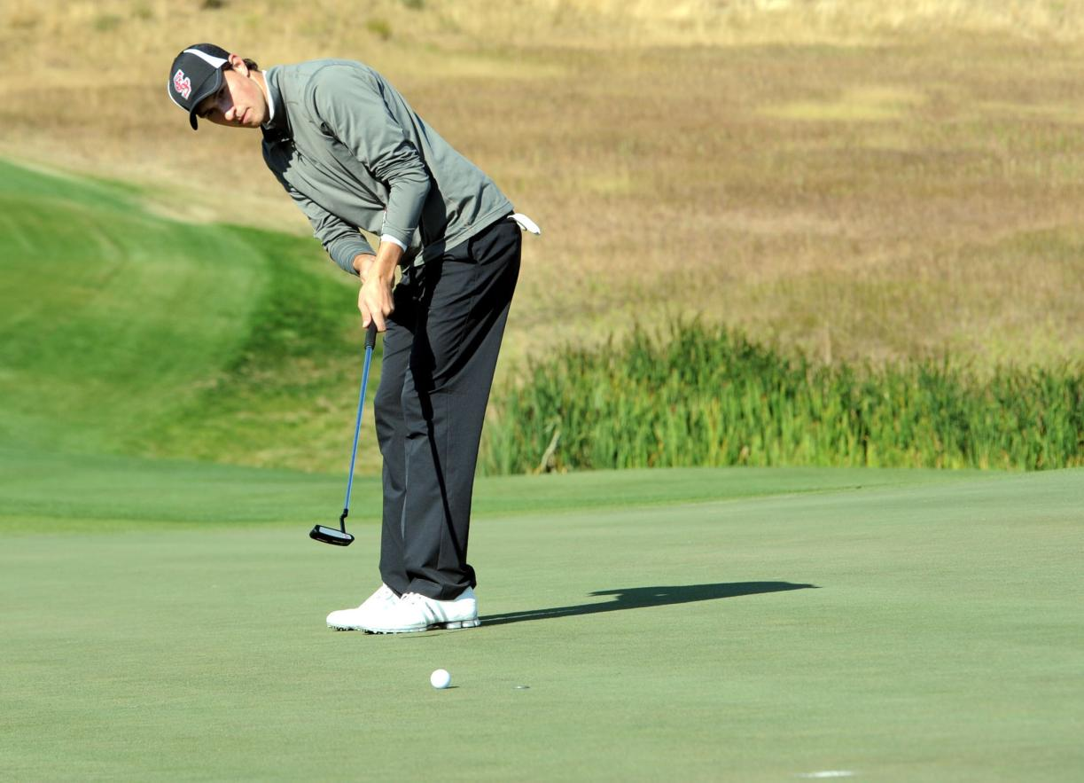 Scott Lowe Positioned to Win; Men's Golf Continues to Impress