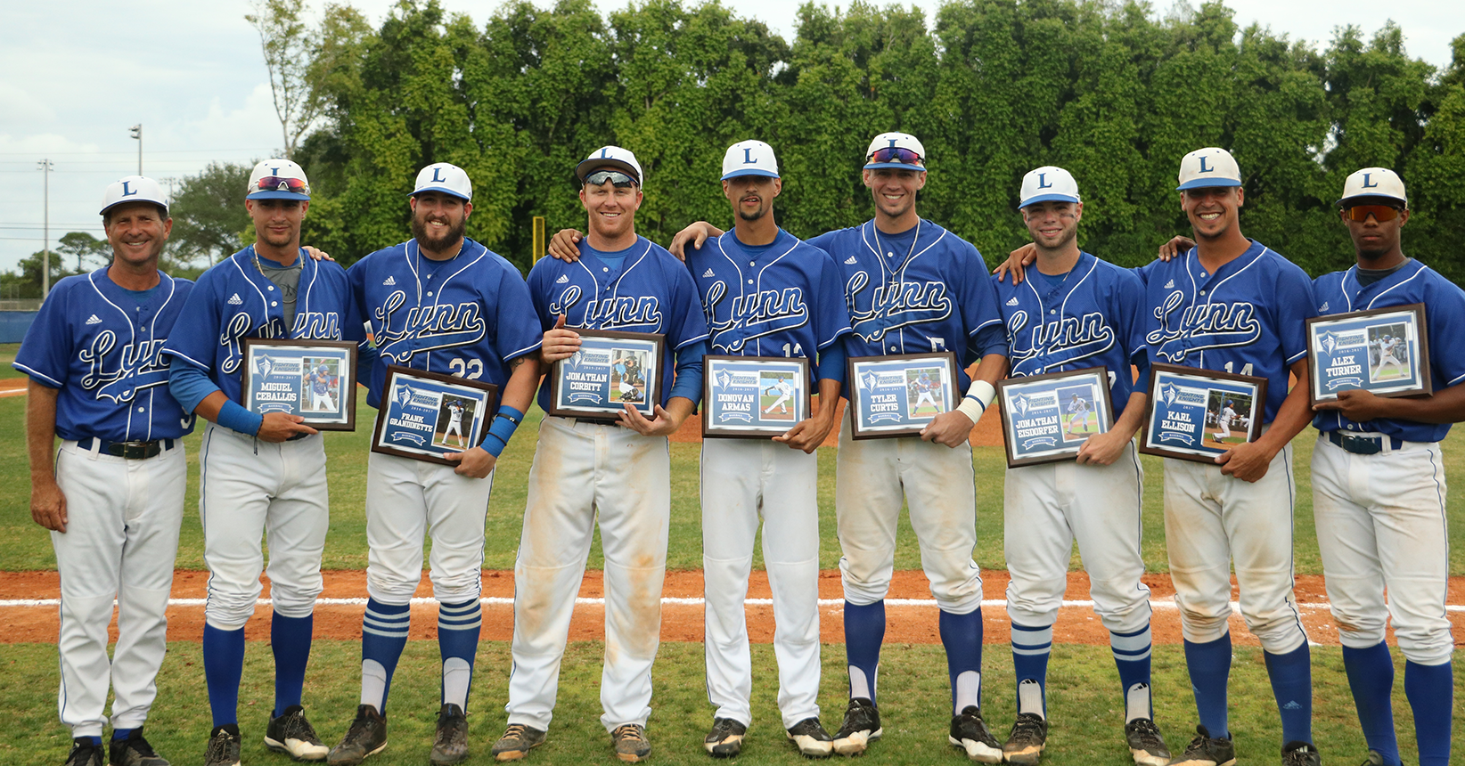 Baseball Sends Seniors Out Victorious