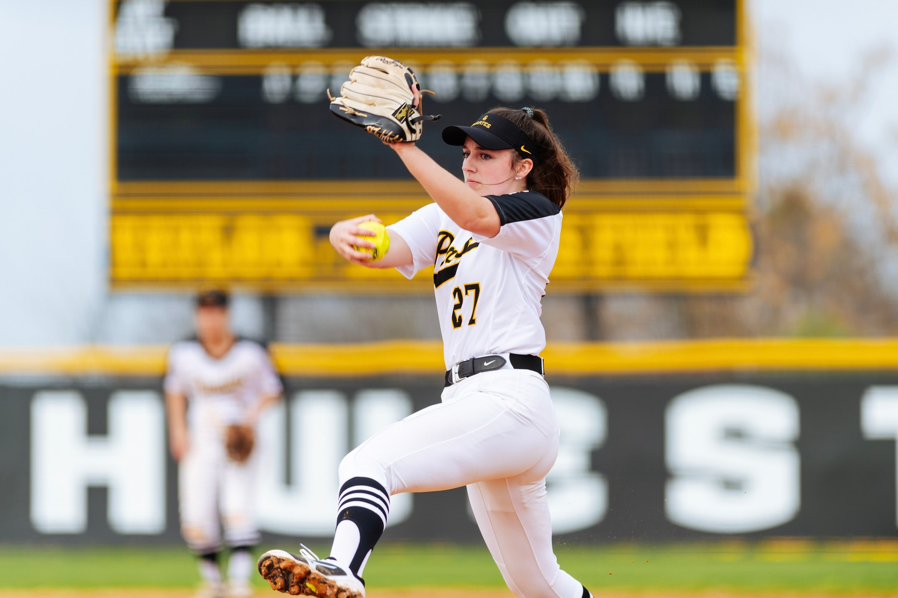 Softball Shuts Out Dallas to Win Game 1