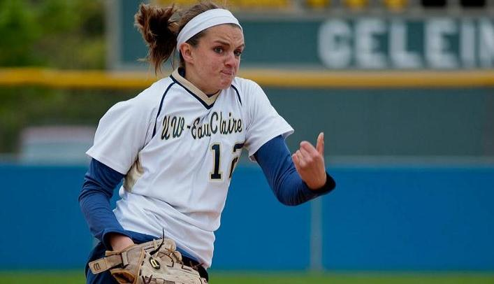 Softball Drops Conference Opening Doubleheader at UW-La Crosse