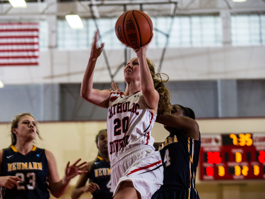 Lady Cards Outscore Rangers, 69-64