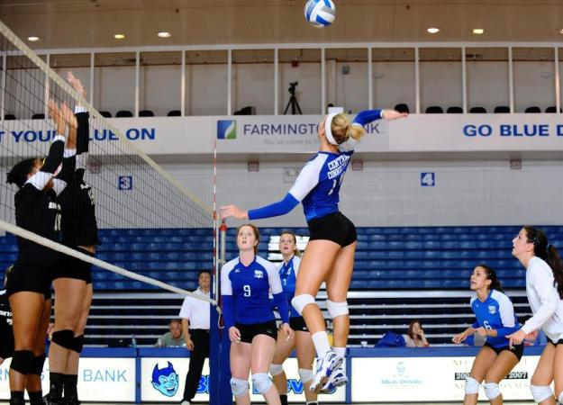 Volleyball Falls, Cochran Gets Kill 1,000