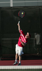 Pepperdine Bests Men's Tennis in WCC Opener