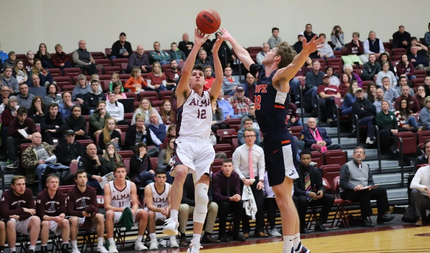 Men's Basketball Suffers Defeat Against Hope