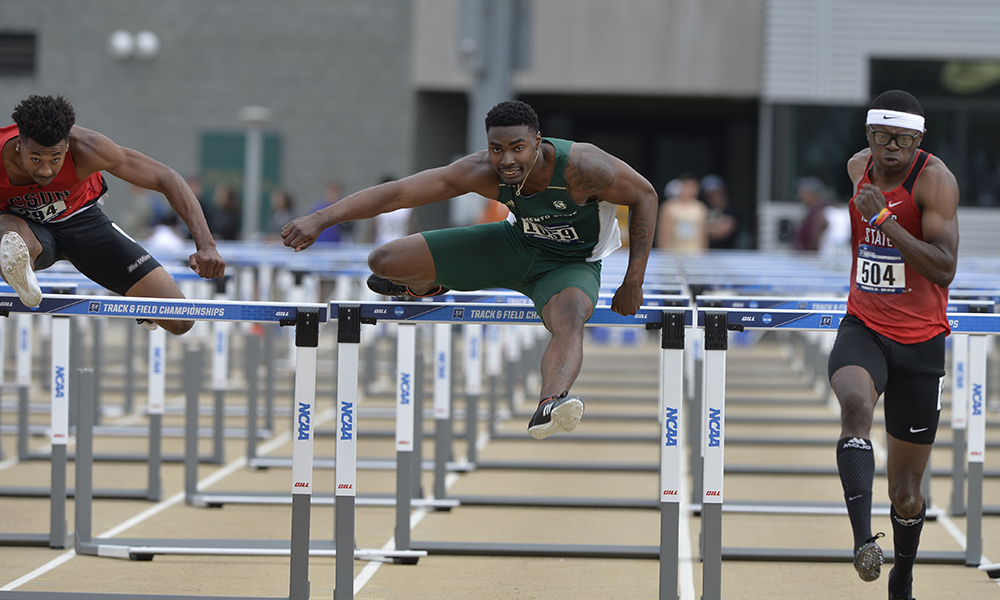 LINDSEY ADVANCES TO QUARTERFINALS DURING SECOND DAY OF NCAA WEST PRELIMINARY