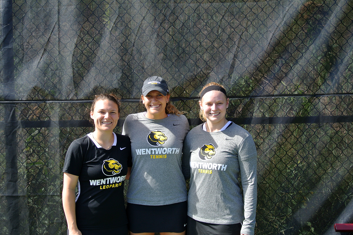 Women's Tennis Records First Victory of the Season