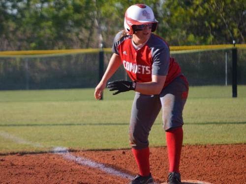 Softball team splits doubleheader at Bluffton