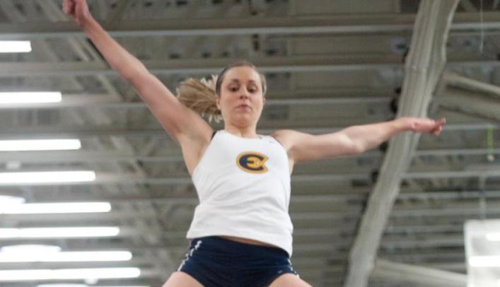 Women's Outdoor Track & Field Takes Third at Wartburg Select
