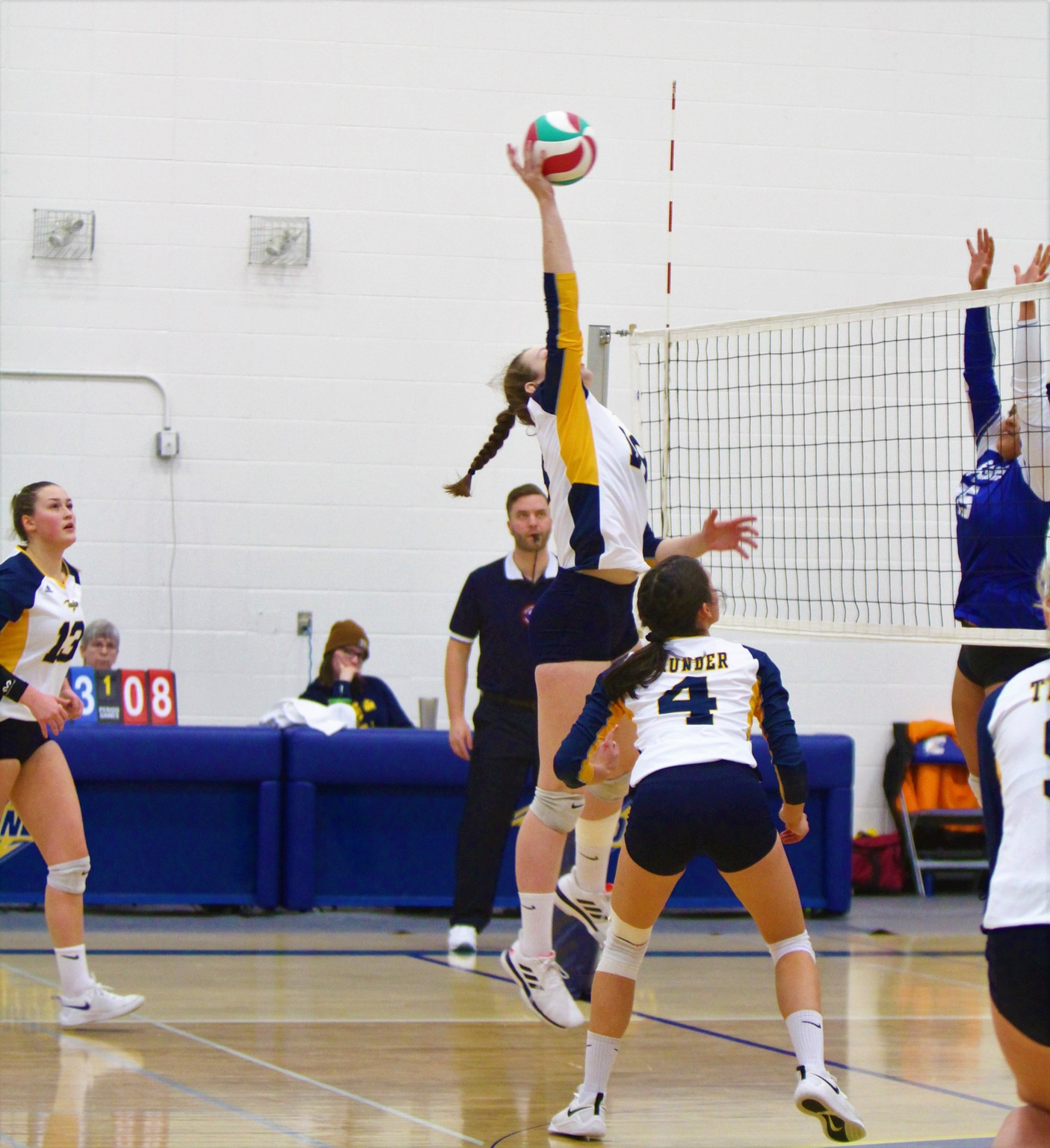 Thunder Fall In Three Sets To The Eagles