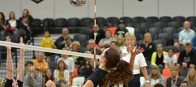 Volleyball Earns First Win of the Season Over New Hope Christian
