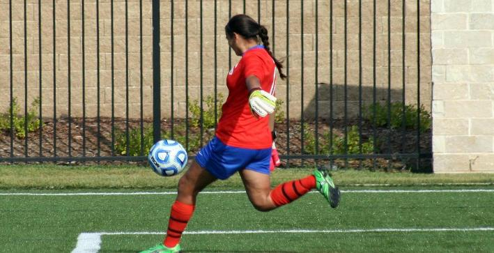 Women's Soccer downed by UW-Whitewater in non-conference action