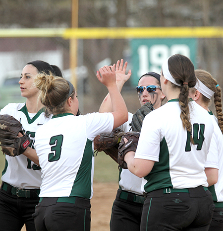 Softball sweeps Skyline rival, SJC on Saturday