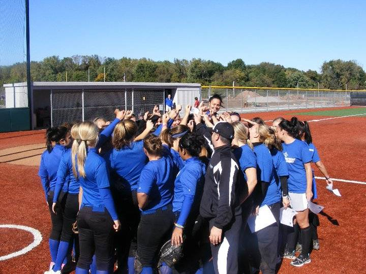 Softball Defeats Alumni in Annual Game
