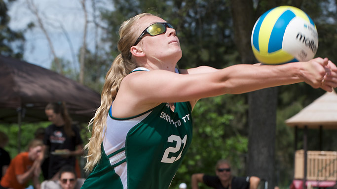 SAND VOLLEYBALL HOSTS EIGHT-TEAM TOURNAMENT THIS FRIDAY-SUNDAY