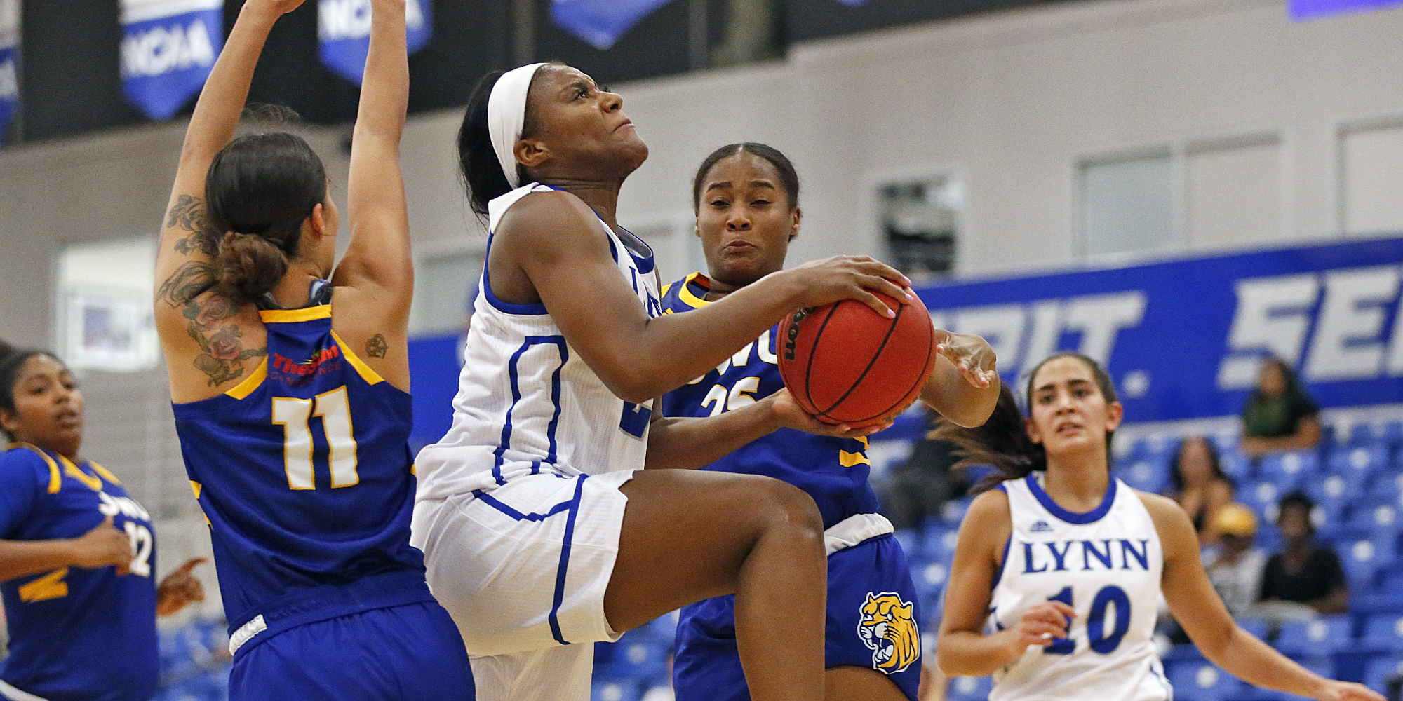 Women's Basketball Cooks Up Victory over Johnson & Wales
